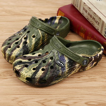Warrior outdoor non-slip breathable student Baotou sandals and slippers porous shoes (048 camouflage)
