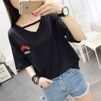 Women's Hongkong-style Floral Embroidery Short Sleeve Loose T-Shirt (Black)