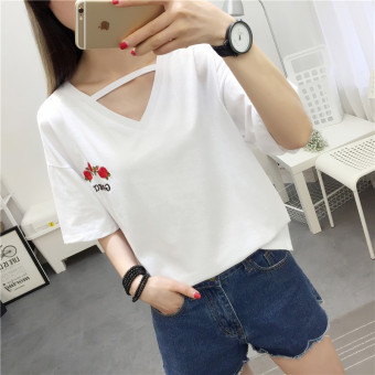 Women's Hongkong-style Floral Embroidery Short Sleeve Loose T-Shirt (White)