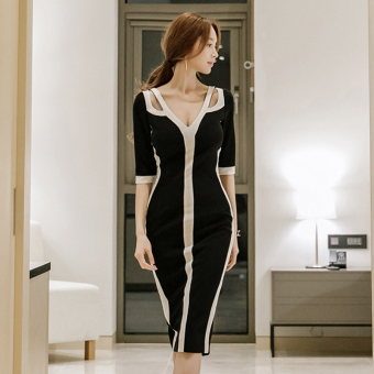 Women's Revealing V-Neck Slim Fit Slit Dress - Black