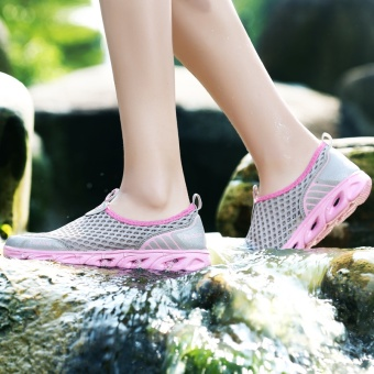 ZOQI Men's And Women's Fashion Mesh Light Breathable Sport ShoesWater Shoes(Pink) - intl - 5
