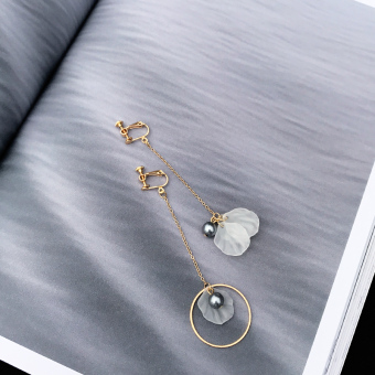 Cool tassled elegant ear clip pearl earrings