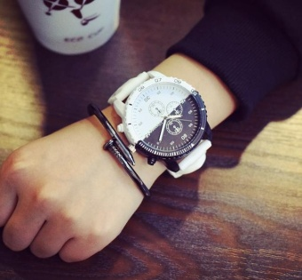 DZ-Korean character Harajuku wind retro minimalist trendsetter formen and women sports lovers all-match watch dial black and white(White) - intl Price Philippines