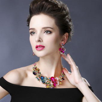 European and American female exaggerated crystal stud suit necklace