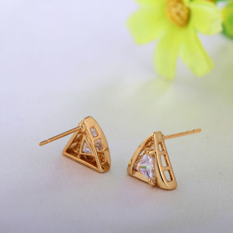 Fashion 18k Gold Plated Triangle Shape Insert White Crystal Stud Earrings (Intl) - picture 2