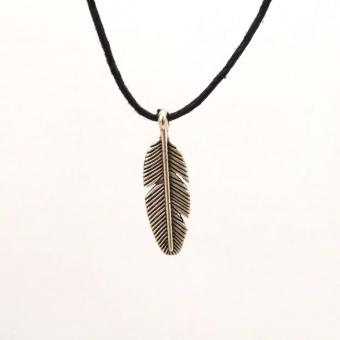Handmade Bohemian Boho Feather Leather Cord Necklace Pendant (Silver) Price Philippines