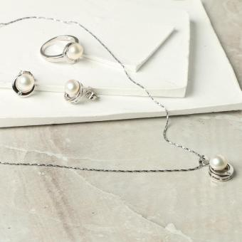 Khai Pearl Ladies Freshwater 3-Pearl Necklace, Ring and Earring Set (White)