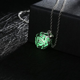 La Vie 925 Silver Plated Luminous 3D Rose Hollow Locket Cage Necklace(Green)
