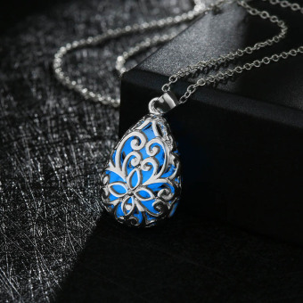 La Vie Wishing Tear Drop Glow in the Dark Pendant Necklace(Dark Blue)
