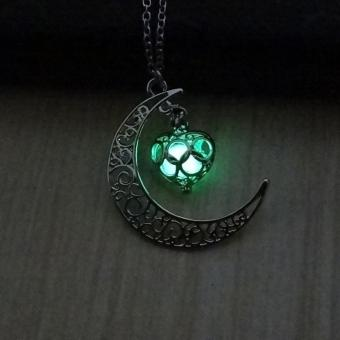 Luminous Glow In the Dark Necklace Sailor Heart Moon Pendant Necklace - intl