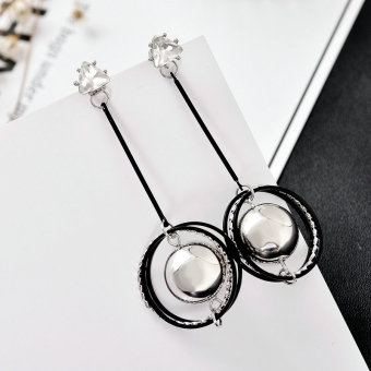Retro exaggerated pendant earrings