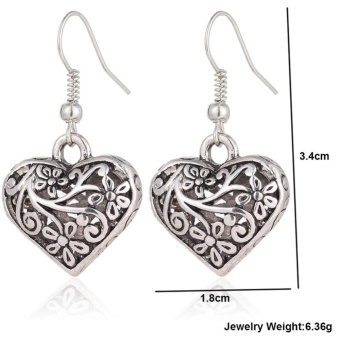 Retro Hollow Carved Heart Shape Silver Earring Vintage Lady EarStud Women Carving Design Jewelry Gift Accessories 1 Pair - intl - 4
