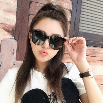 Retro women square sunglasses New style sun mirror