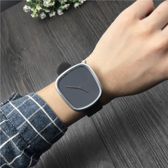 Simple female business egg quartz watch