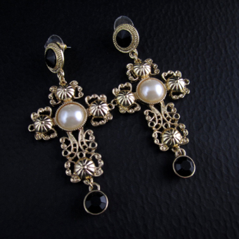 Vintage European and American gold porous exaggerated earrings cross frame