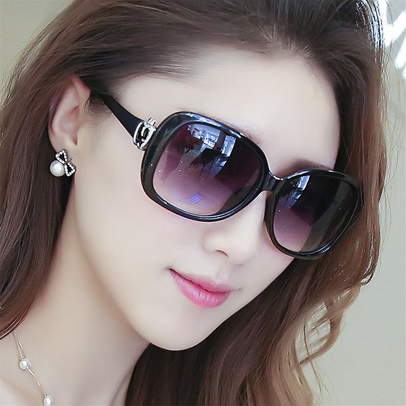 Detail Gambar Kacamata hitam wanita pasang Model artis kacamata 2018 model  baru Bundar Elegan kacamata hitam 52a95999fe